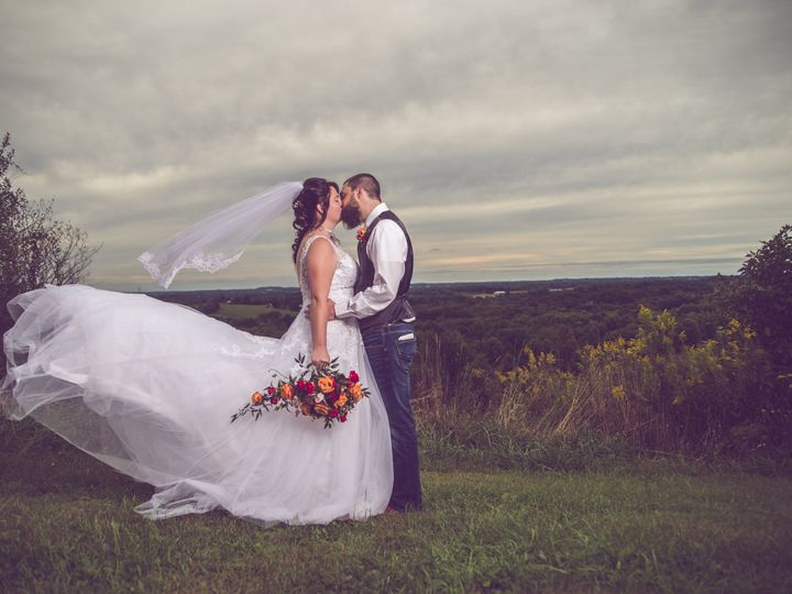 Tmx 1537732670 8945afa18960d057 794F6579 F28D 42C6 A52A 4DCB4E0D3AED Canton, OH wedding photography
