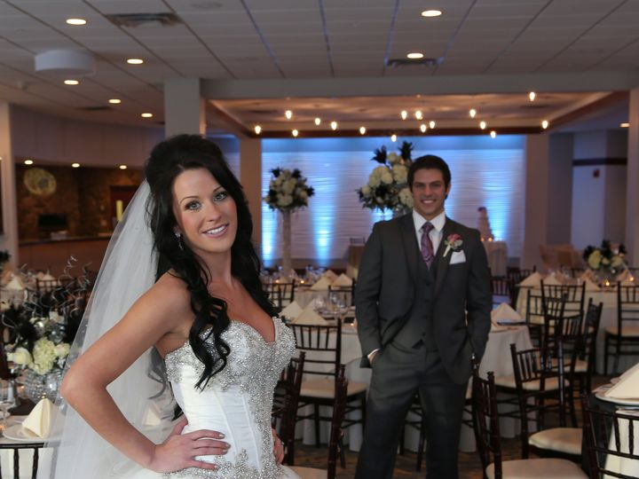 Tmx Fountain Room 7 Bride Groom Posing 51 379726 Derry, NH wedding venue