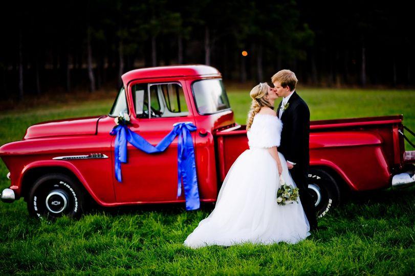 6f92776bccf77cd8 1445551327377 brit wedding truck