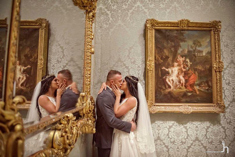 Kisses beside fine art