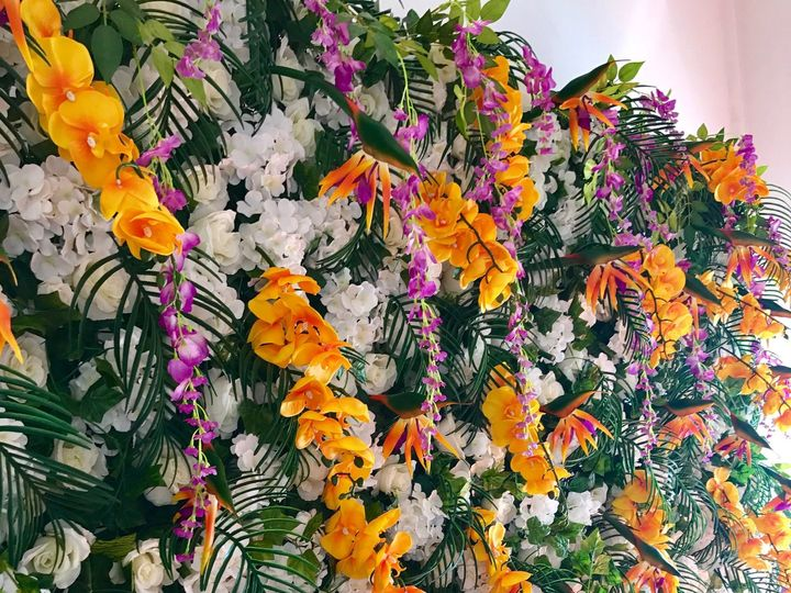Tmx 1533304485 2a5c16b6877abd16 1533304483 135c335835c8c0e1 1533304474470 7 Custom Tropical Sq Miami wedding eventproduction