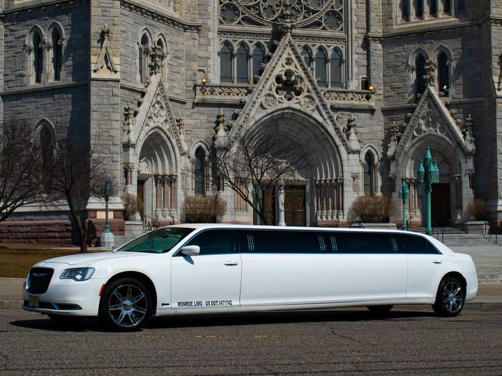 Tmx Chrysler300stretchlimo 003 51 933926 1557809006 Elizabeth, New Jersey wedding transportation