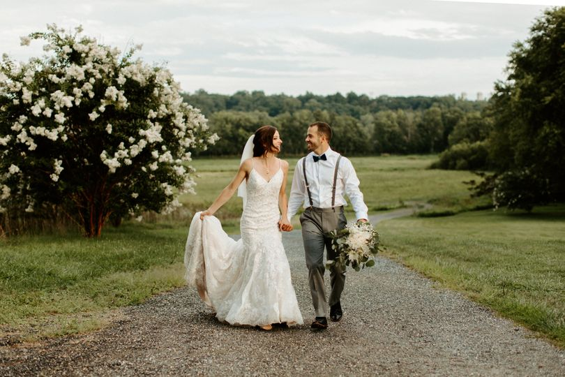 Walking and holding hands - Hannah Lee Photography