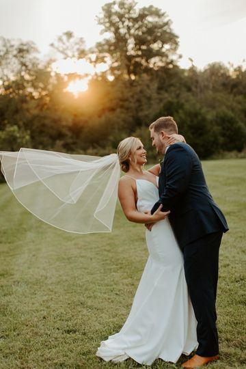Looking into one another's eyes - Hannah Lee Photography