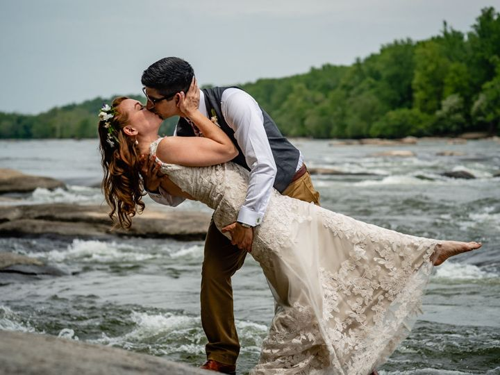Tmx 1529500298 00a7c60f884e4b08 1529500297 Bb2bf5d8cdb8c0a3 1529500296746 4 Eliza Chris Weddin Richmond wedding photography