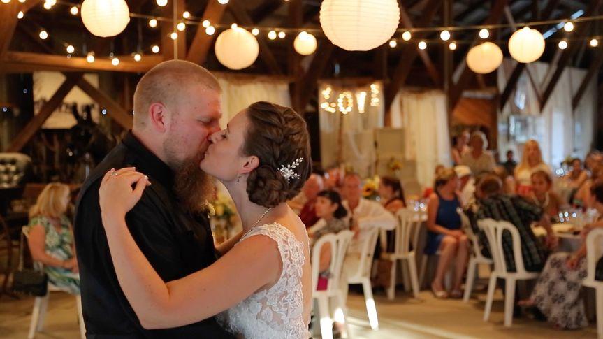 hansen dance kiss 1