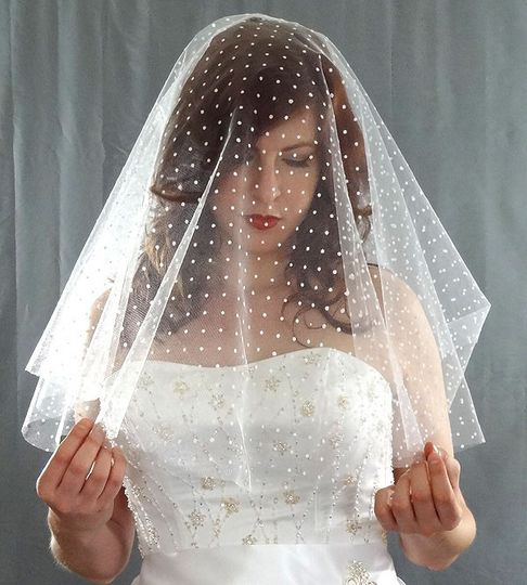 Swiss Dot Drop Veil - A truly beautiful wedding veil.  Great for the bride seeking something...