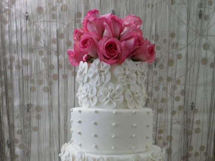 Tmx 1414432481850 Whiteweddingop760x1140 Arlington wedding cake