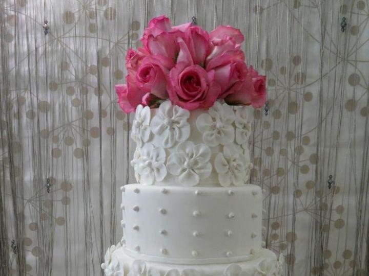 Tmx 1414432481850 Whiteweddingop760x1140 Arlington wedding cake