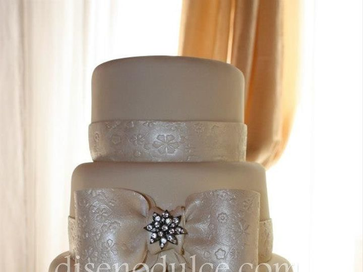 Tmx 1414433322910 56475310151166940409556907126816n Arlington wedding cake