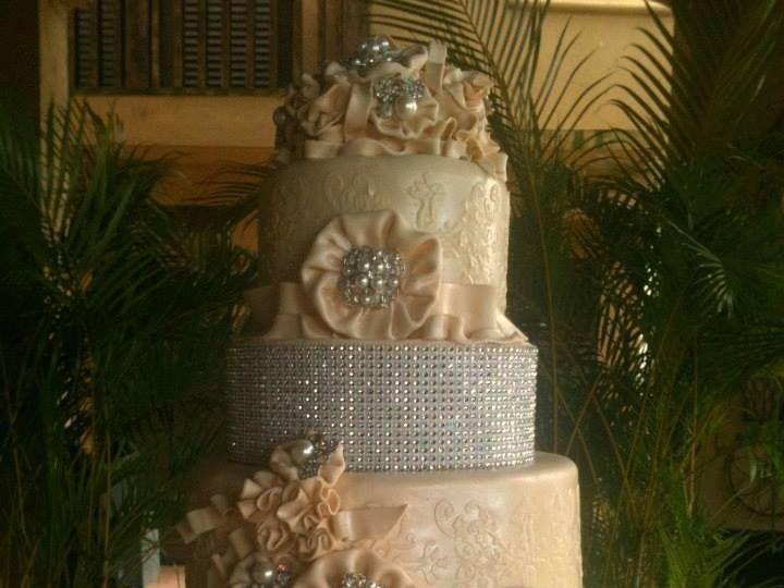 Tmx 1414433326121 998713101516999573495561573709002n1 Arlington wedding cake