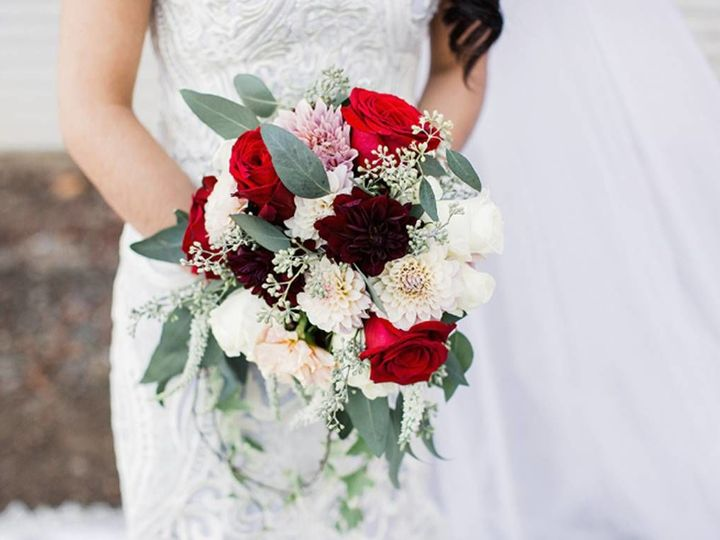 Tmx 1523384182 817cf10d23b276cf 1523384181 D355bad0dfd21d09 1523384175232 7 Pic 7 Santa Cruz, CA wedding florist