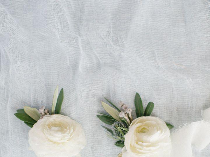 Tmx Details Gettingready 28 51 1013036 157815511829043 Greensboro, NC wedding florist