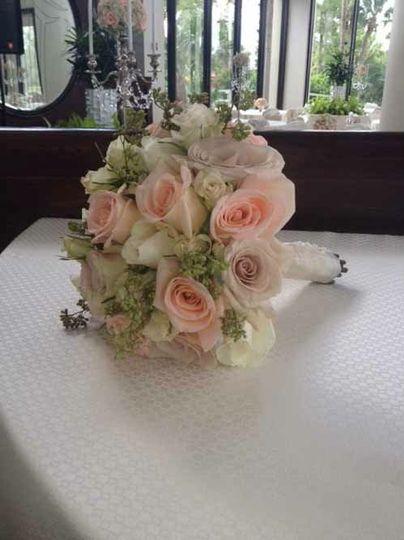 lowe and behold flowers orlando fl weddingwire. Black Bedroom Furniture Sets. Home Design Ideas