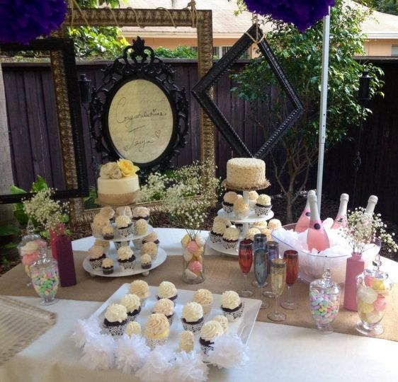 Variety is the spice of life. The combination of cupcakes, and cakes, give your guests options.