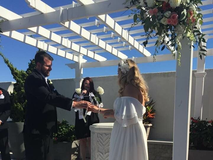 Tmx Justineandjohn4 51 938036 Floral Park, New York wedding officiant