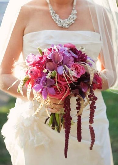 Stunning bouquet and bride