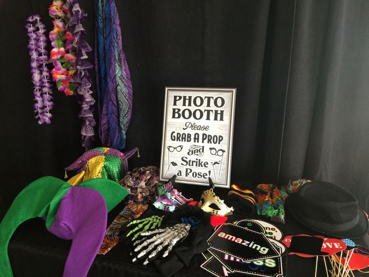 Photo Booth Prop Table