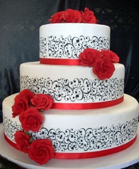 Scroll Design Wedding Cake