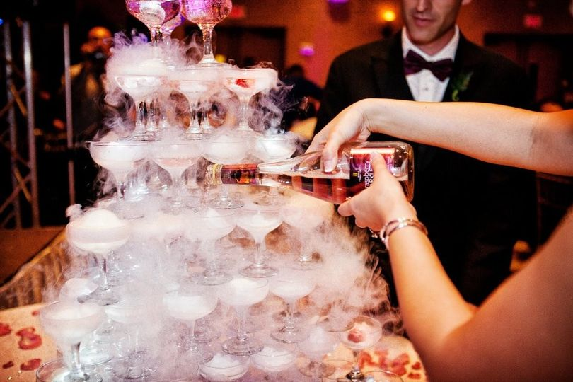 Dry Ice Champagne Pour