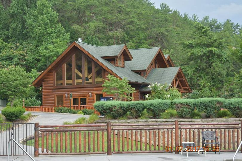 Smoky Mountain Lodge