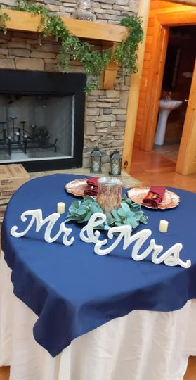 Bride and groom heart table