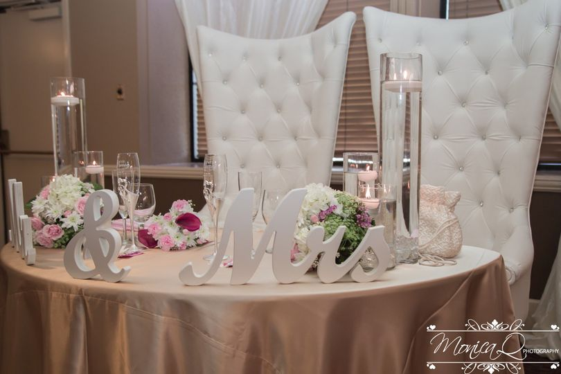 Newly-wed table
