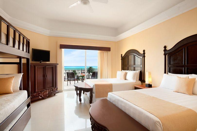 gran porto playa del carmen family junior suite