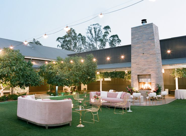 Carneros Courtyard