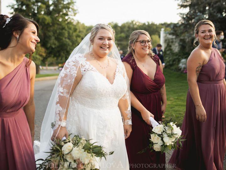 Tmx Bride Walking With Girls 2 51 127236 160493775966701 Sutton, MA wedding venue