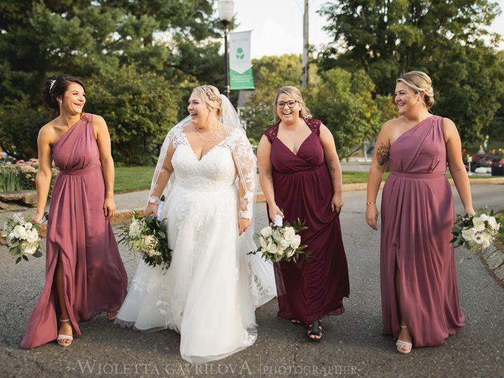 Tmx Bride With Girls Walking 51 127236 160493775171334 Sutton, MA wedding venue