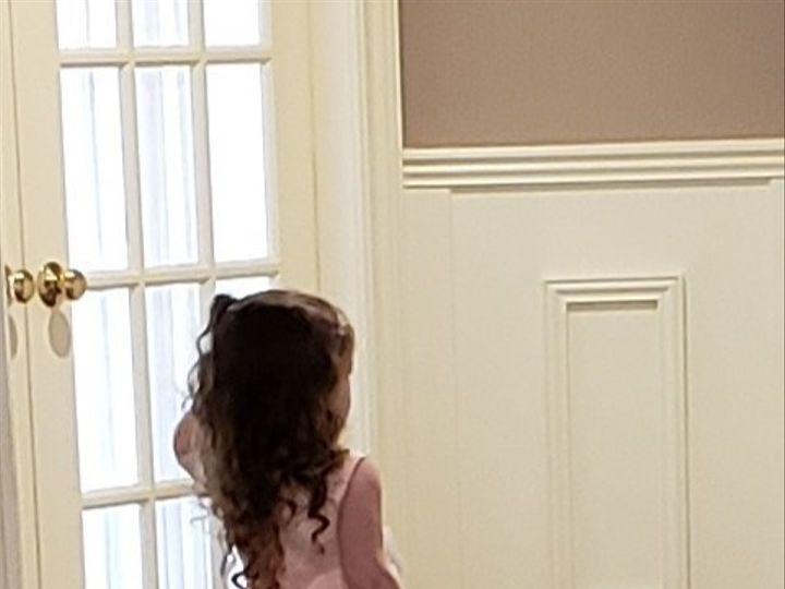 Tmx Flower Girl Looking In Bridal Suite 51 127236 158939852652988 Sutton, MA wedding venue