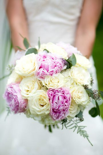 800x800 1413926241760 pink peony and white rose bridal bouquet flowers b