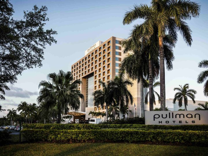 Exterior view of Pullman Miami Airport Hotel