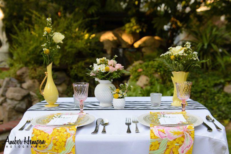 Retro Sweetheart Table Set