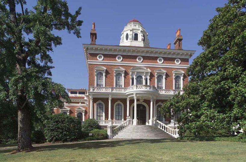 37720320e029e9e5 Hay House front