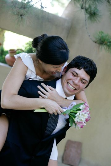 Taos NM bride and groom and simple bouquet