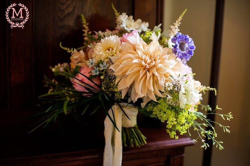 robin hollow farm flowers newport ri weddingwire. Black Bedroom Furniture Sets. Home Design Ideas