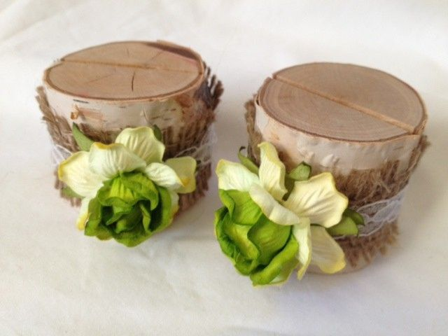 This green apple place card holder just says: Country We added burlap and lace, and we think it's...