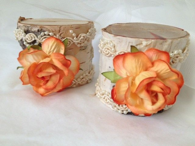 Peach Elegance is the perfect way to describe these lovely, sweet place card holders. Perfect for a...