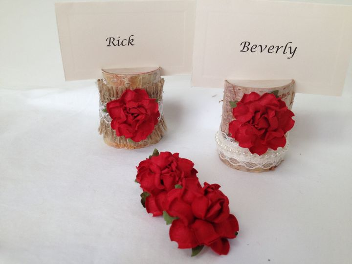 I LOVE these! Such a beautiful red rose offset with lace and pearls or burlap and lace. Perfect for...