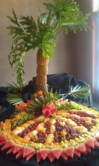 800x800 1347478883931 pineapplepalmtreefruitdisplay