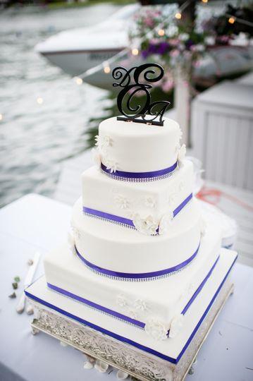 Jacqui\'s Cakes - Wedding Cake - Bonney Lake, WA - WeddingWire