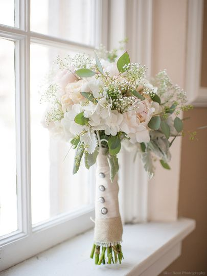 jenny luu flowers flowers seattle wa weddingwire. Black Bedroom Furniture Sets. Home Design Ideas
