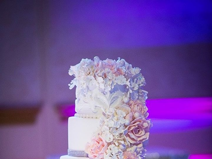 Tmx 1462745637552 Cascadingflowerscake5 Warren wedding cake