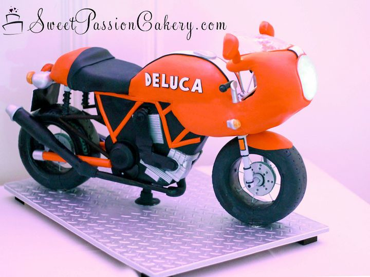 Tmx 1502191464984 Motorcyclecake1 Warren wedding cake