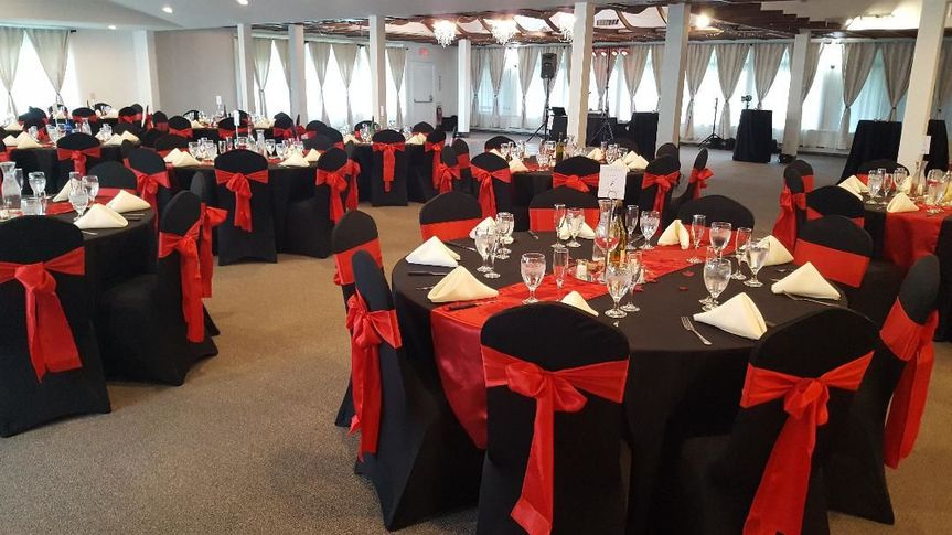 Black and red reception decor