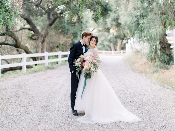 Tmx Bride And Groom Road 1 51 1014436 1561433179 Agoura Hills, CA wedding venue
