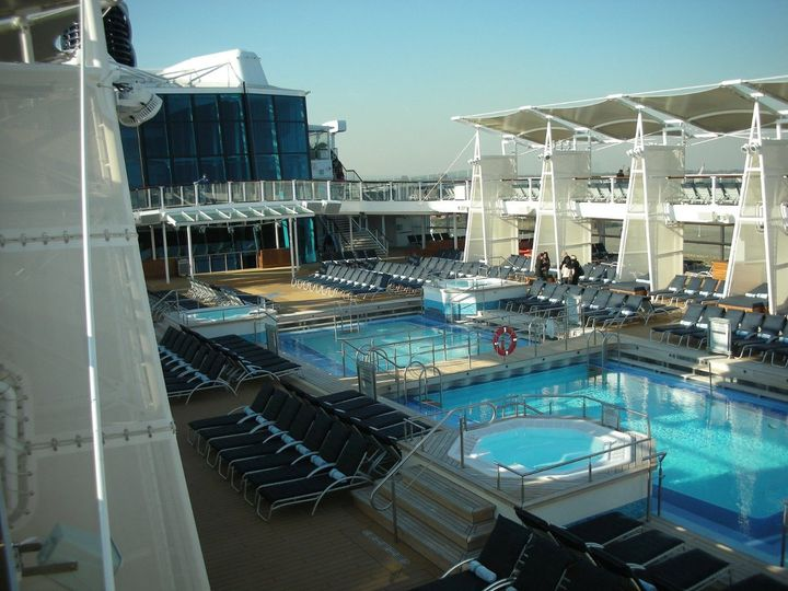 Wide pool area