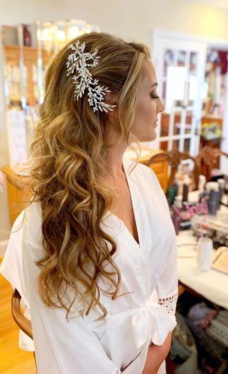 Billowing curls